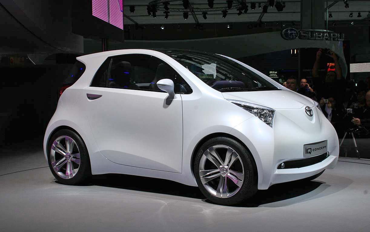 toyota 39 s iq mini car to be new scion smart fortwo fighter. Black Bedroom Furniture Sets. Home Design Ideas