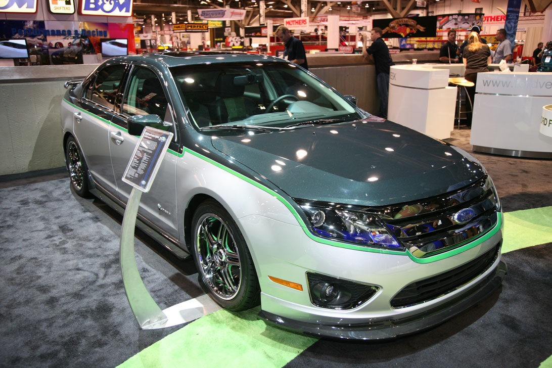 green can be cool customized 2010 ford fusion hybrid show car. Black Bedroom Furniture Sets. Home Design Ideas