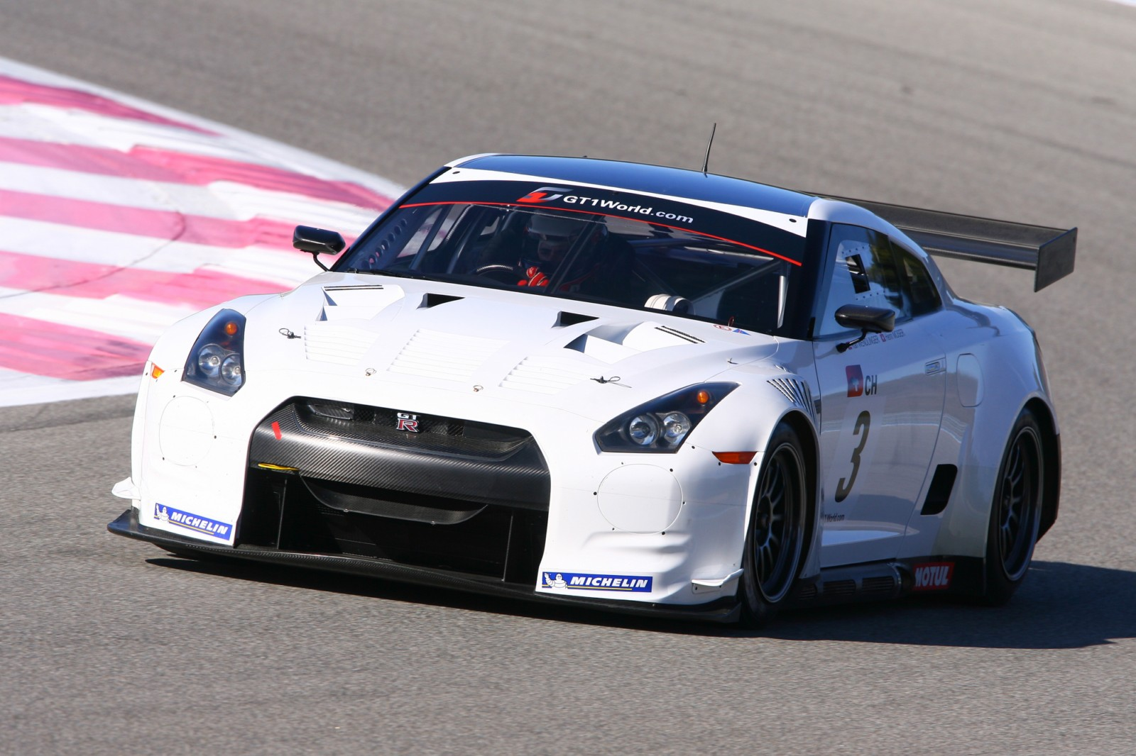 Nissan GT-R GT1 Race Cars Unveiled In Paris
