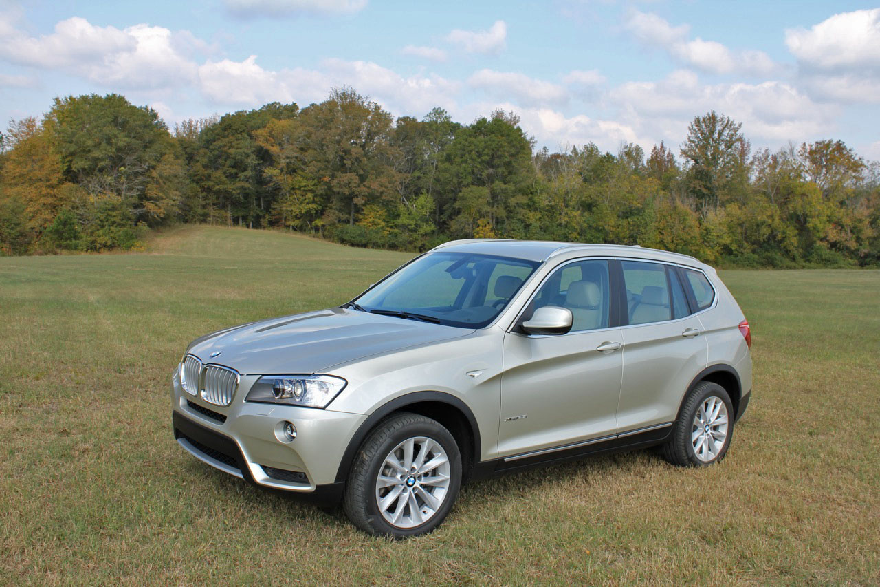 2011 bmw x3 xdrive35i first look. Black Bedroom Furniture Sets. Home Design Ideas