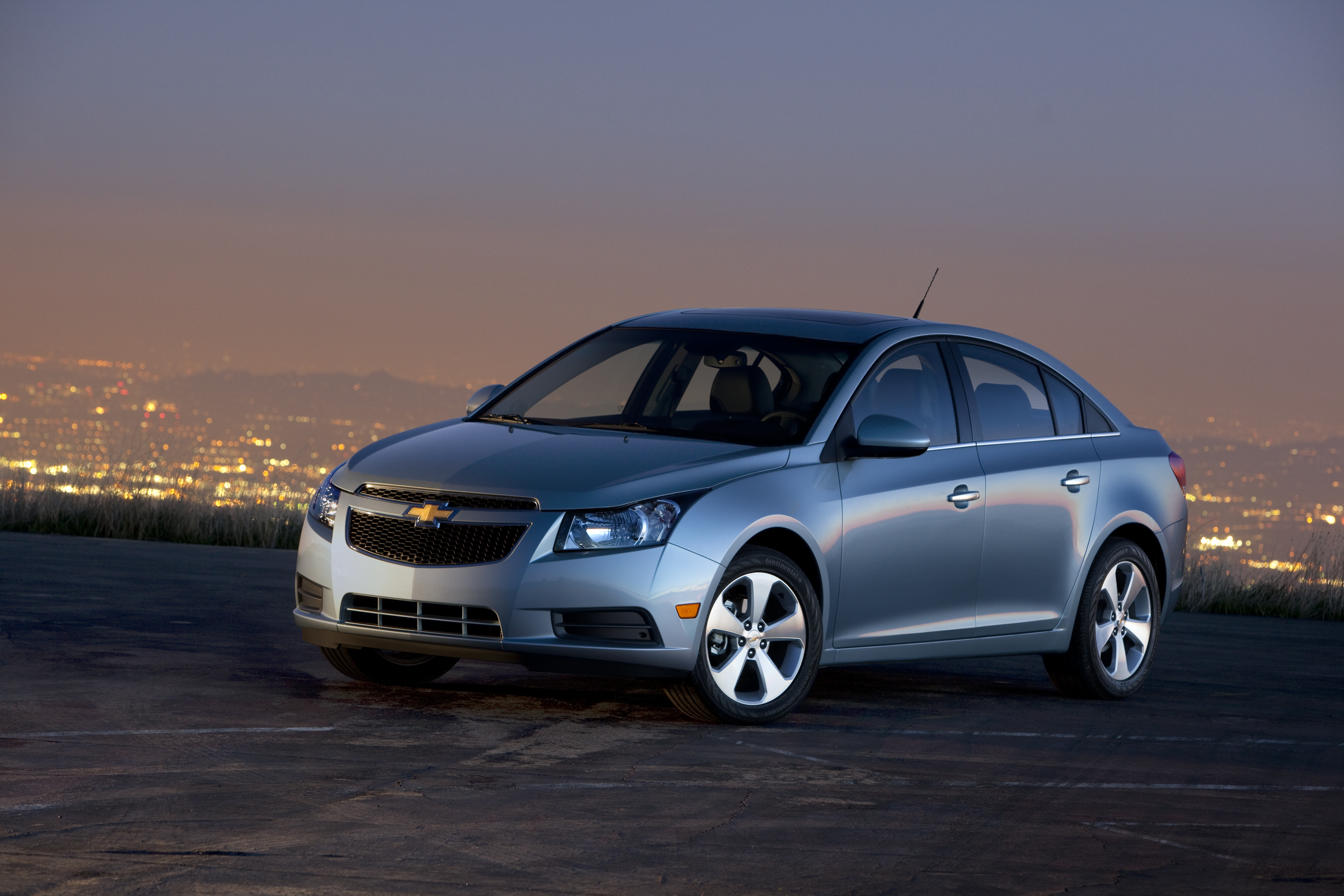 2011 chevrolet cruze chevy review ratings specs. Black Bedroom Furniture Sets. Home Design Ideas