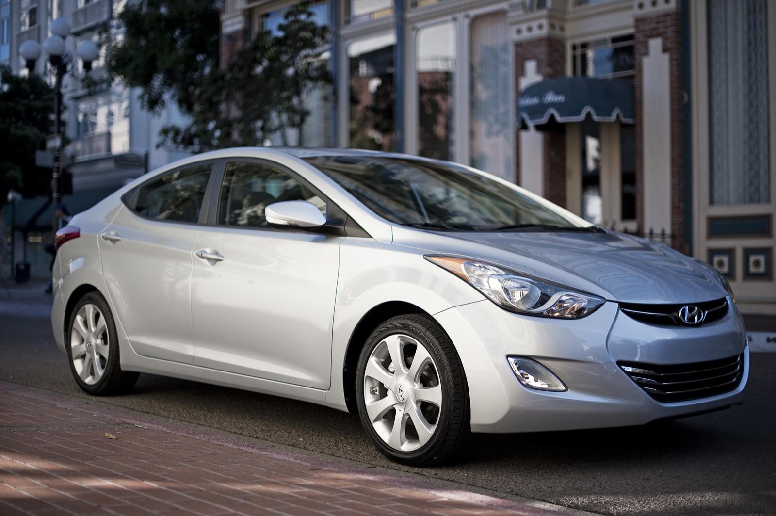 2011 Hyundai Elantra: Now With Rear-Seat Heaters