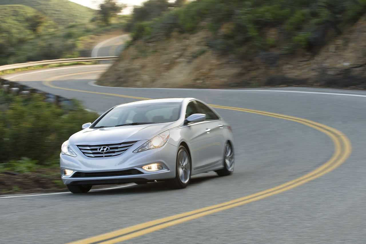 2011 Hyundai Sonata Turbo 6 5 Seconds To 60 Mph 34 Mpg Highway