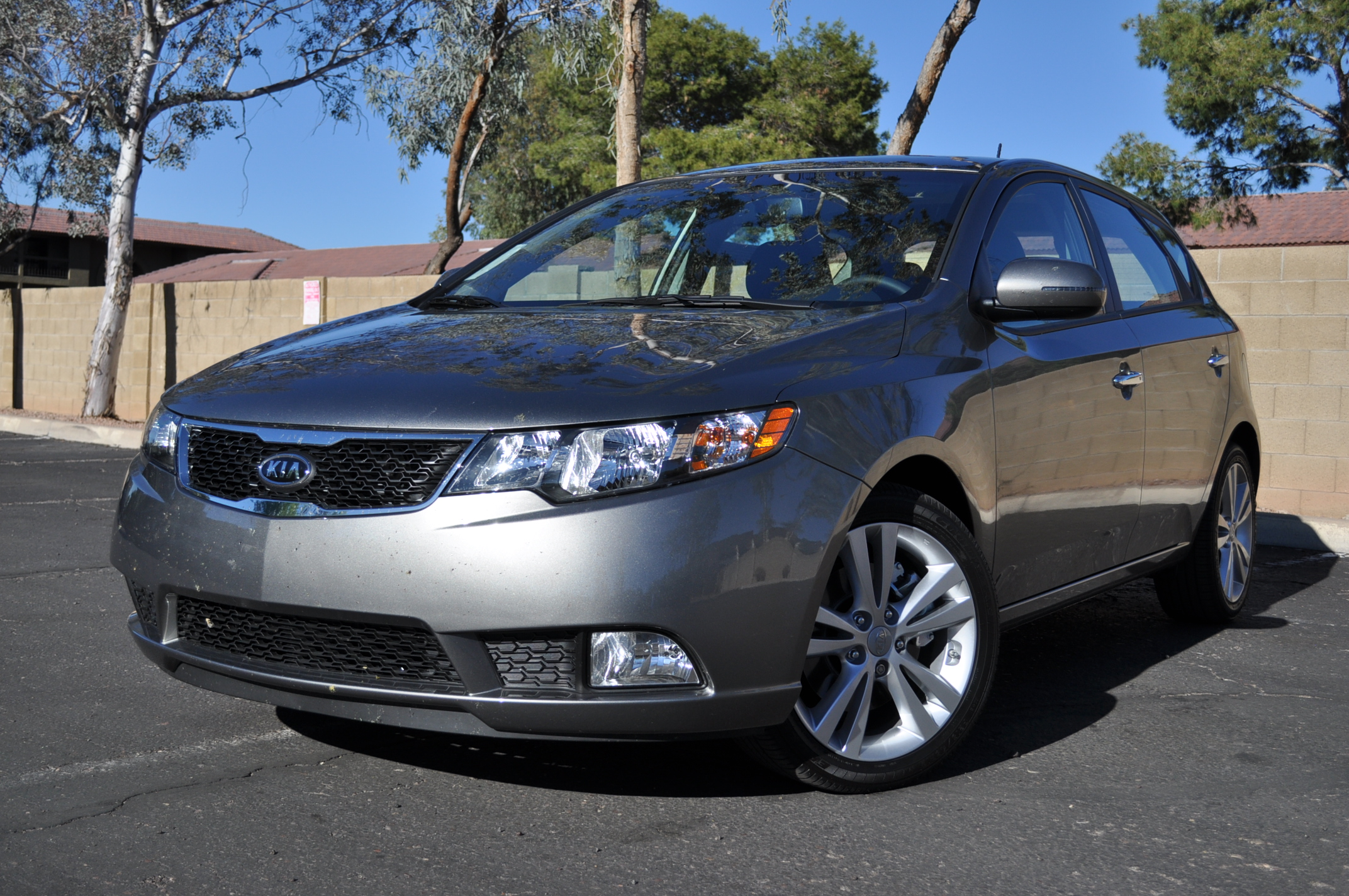 Bmw Of Fresno >> 2011 Kia Forte 5-Door SX: First Drive