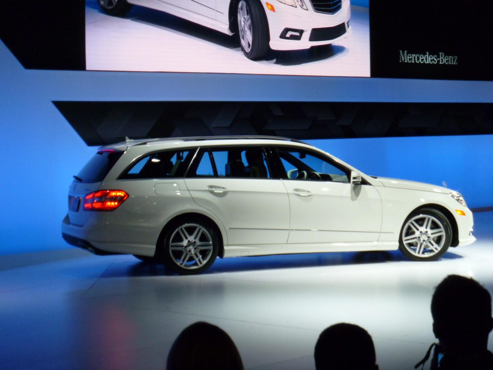 2010 new york auto show 2011 mercedes benz e class wagon for 2011 mercedes benz e class wagon