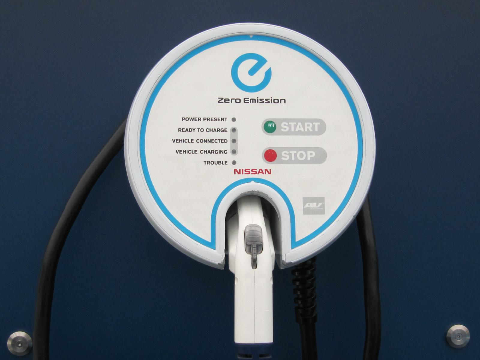 Nissan drops 2012 leaf charging station price is it cheap enough vanachro Choice Image
