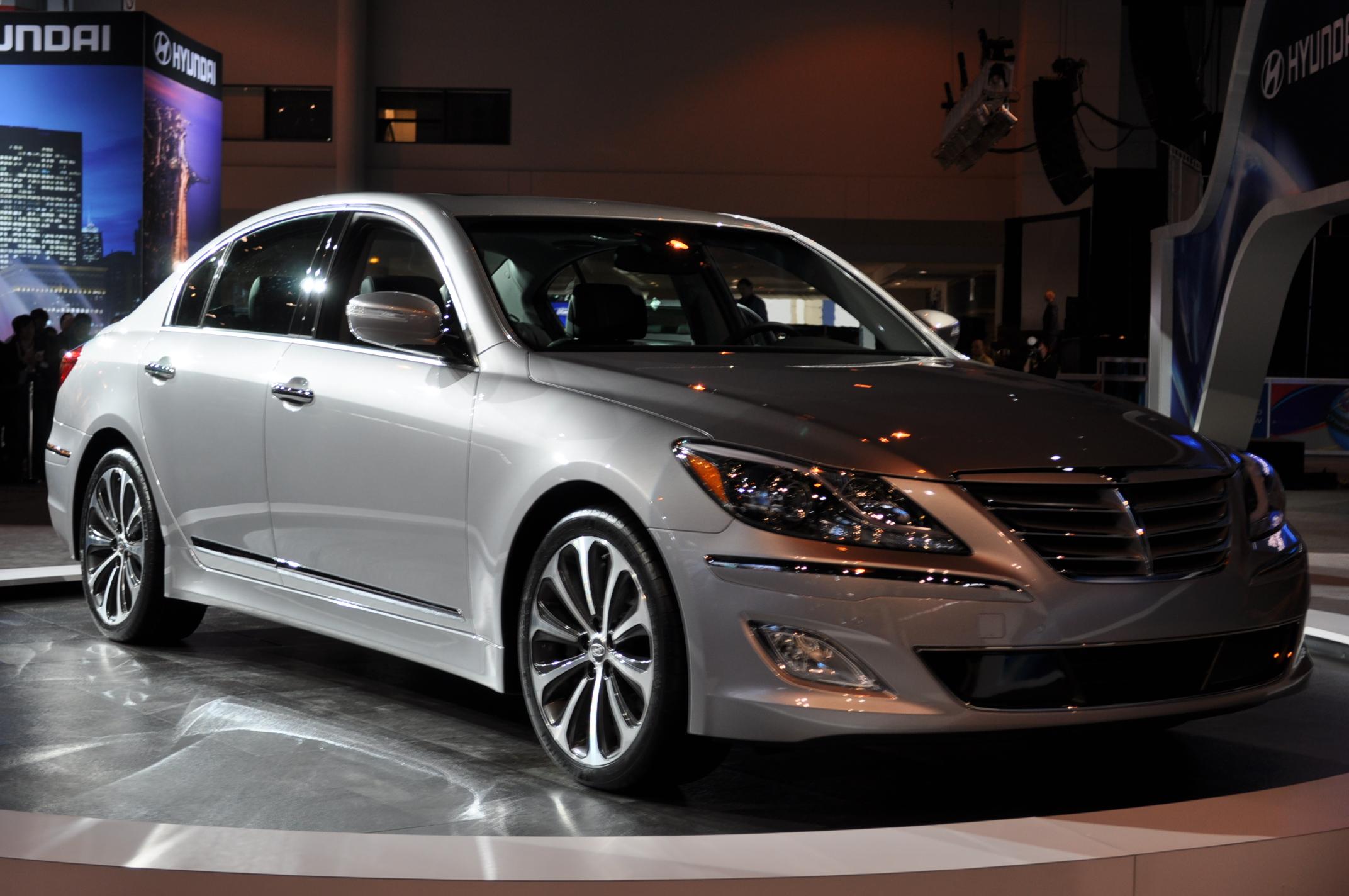 2012 Hyundai Genesis R Spec Does Burnout Video