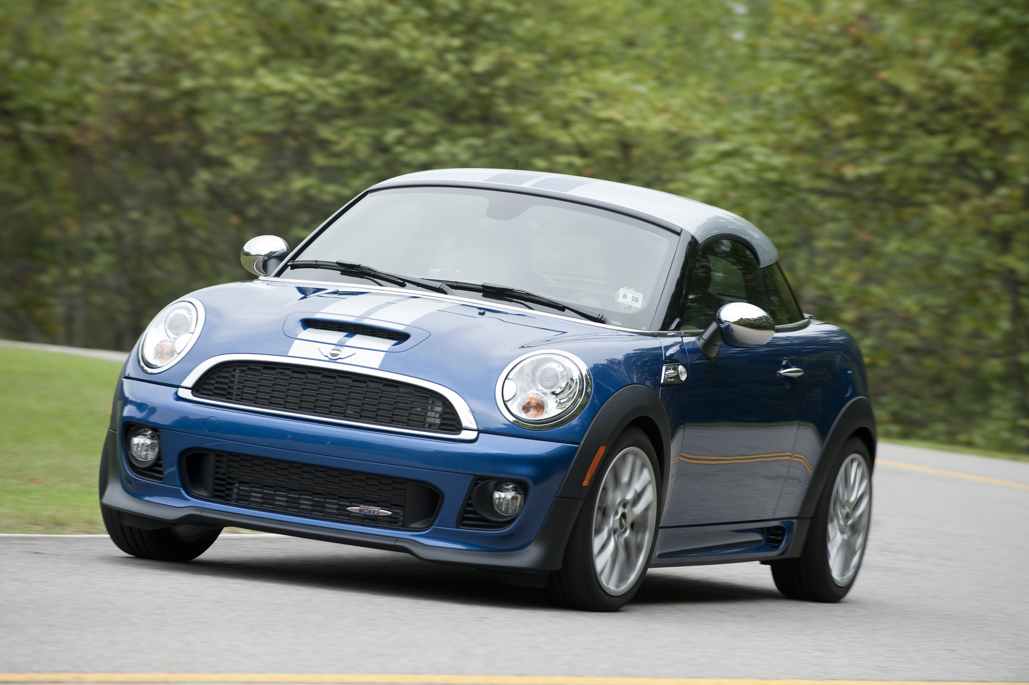 2012 mini cooper coupe first drive. Black Bedroom Furniture Sets. Home Design Ideas