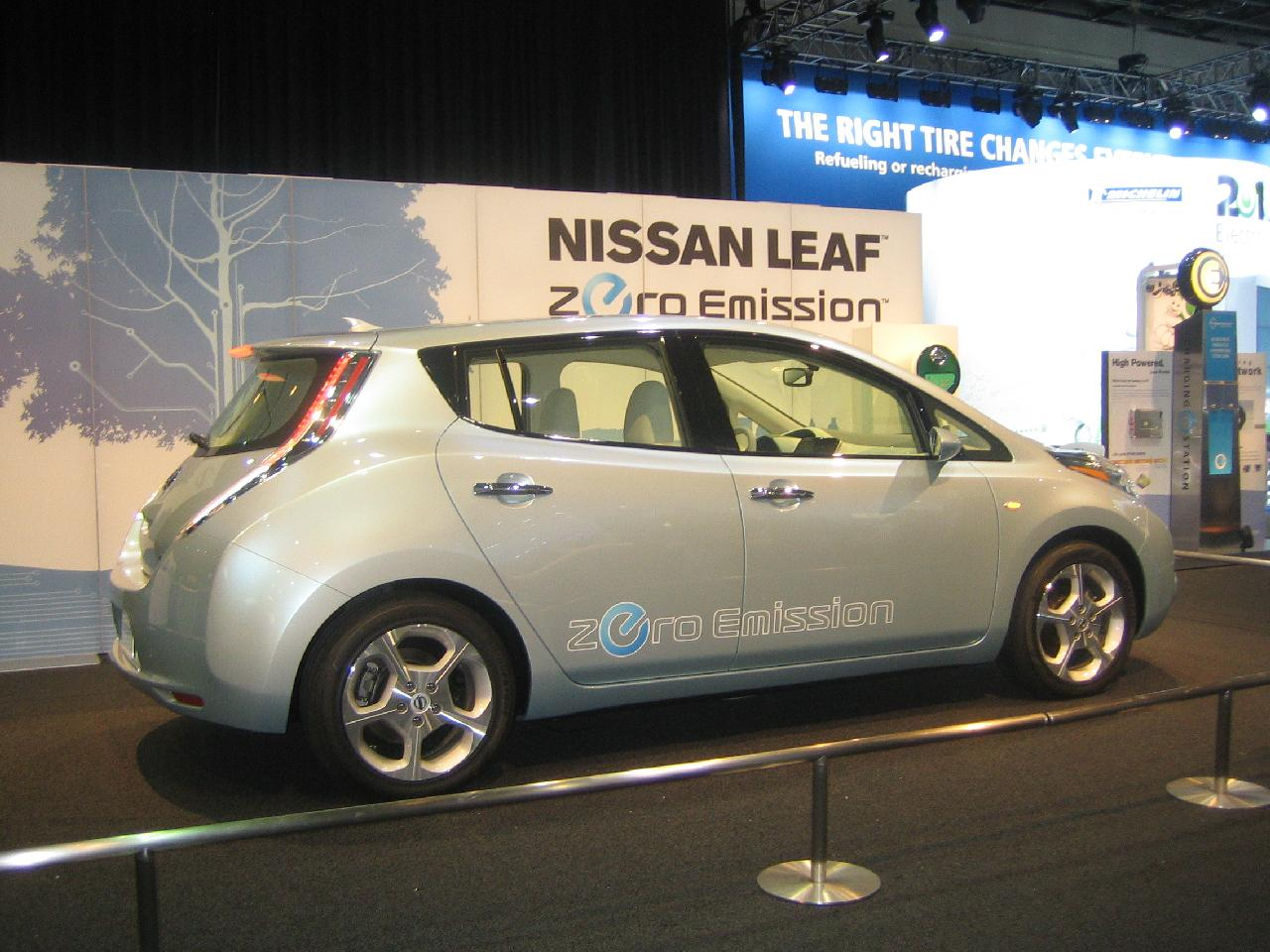 Nissan leaf electric car relegates gas cars to the garage nissan says vanachro Choice Image