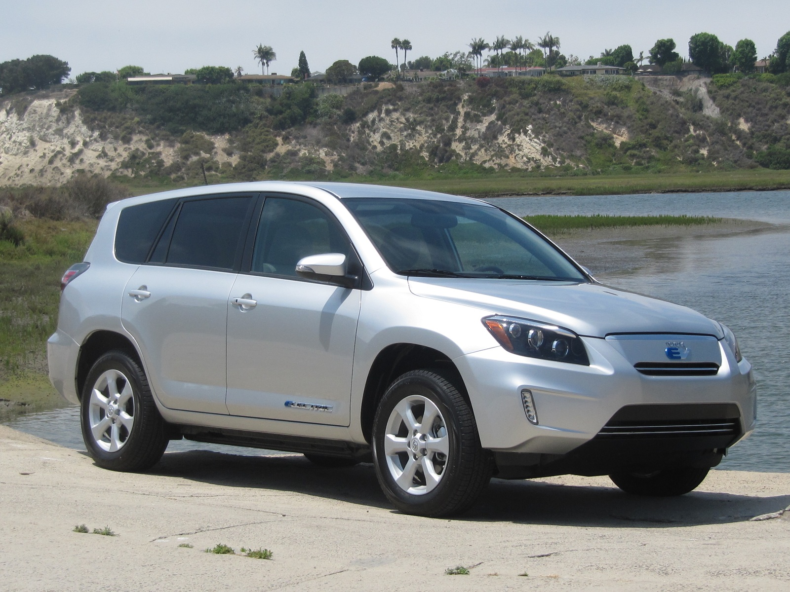 2012 toyota rav4 ev review ratings specs prices and photos the car connection. Black Bedroom Furniture Sets. Home Design Ideas