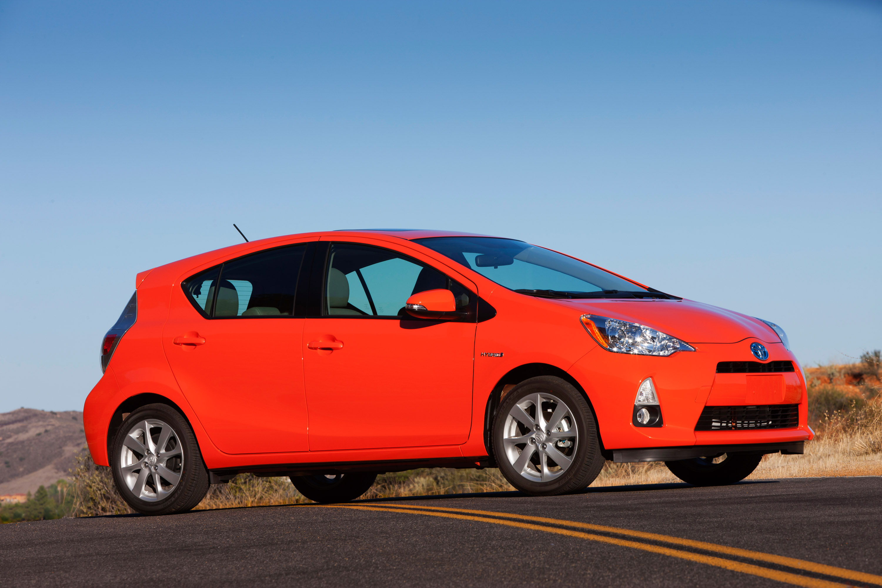 2013 Toyota Prius C Reviews& Test Drives - Green Car Reports