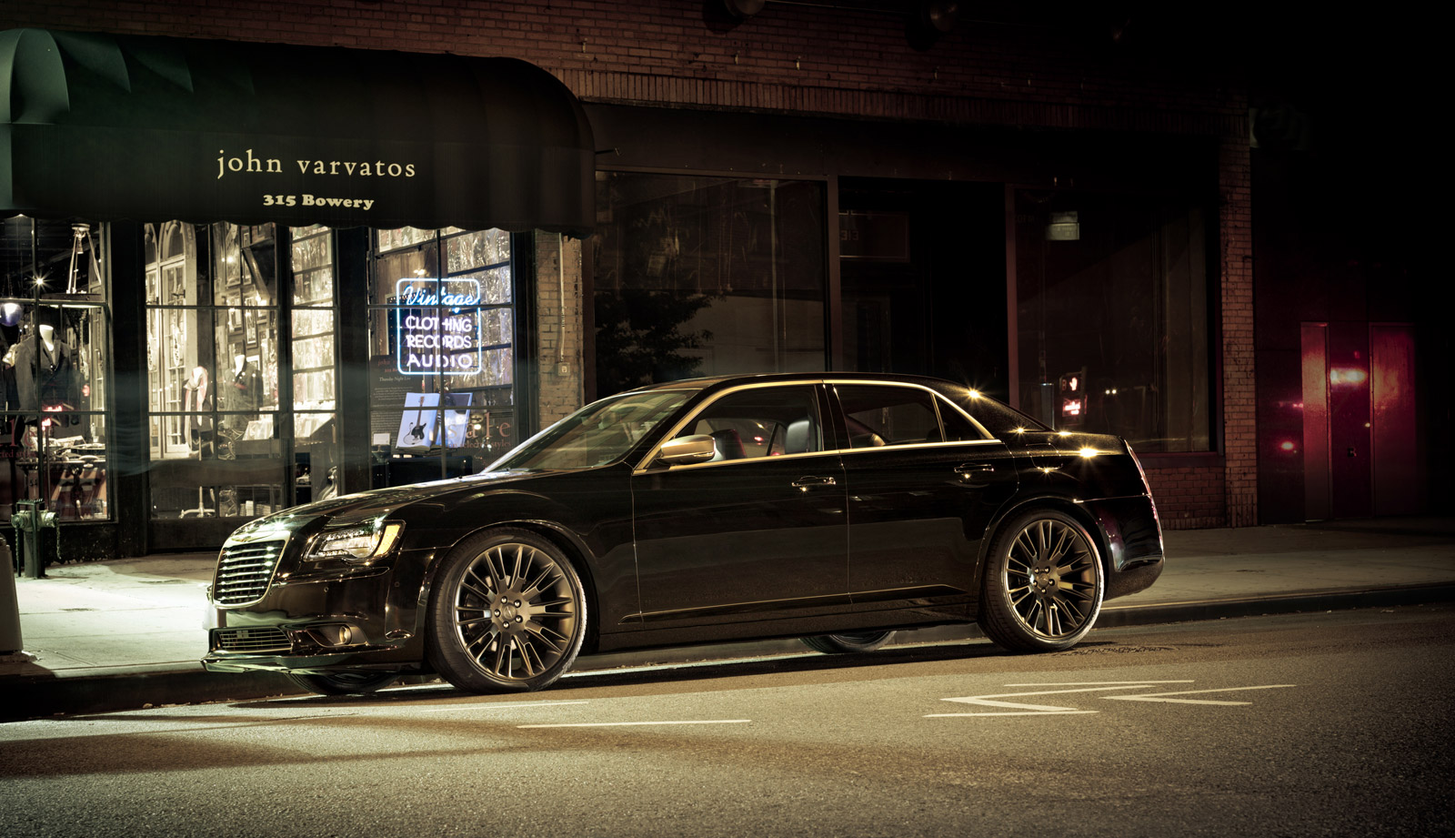 fashion s john varvatos designs two special chrysler 300 sedans. Black Bedroom Furniture Sets. Home Design Ideas