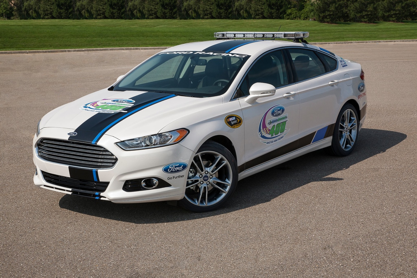 2013 ford fusion nascar sprint cup pace car going to lucky fan. Black Bedroom Furniture Sets. Home Design Ideas