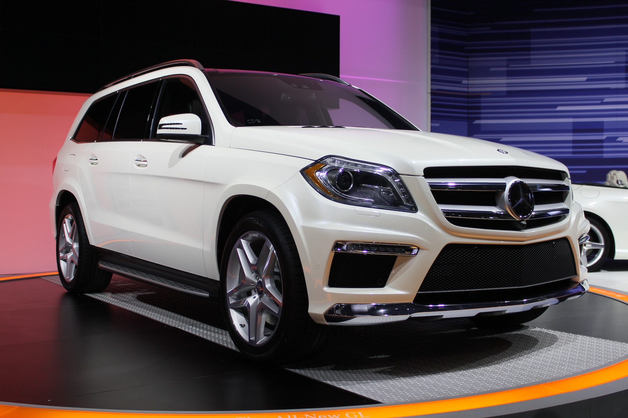 2013 Mercedes Benz Gl Class Live Photos 2012 New York