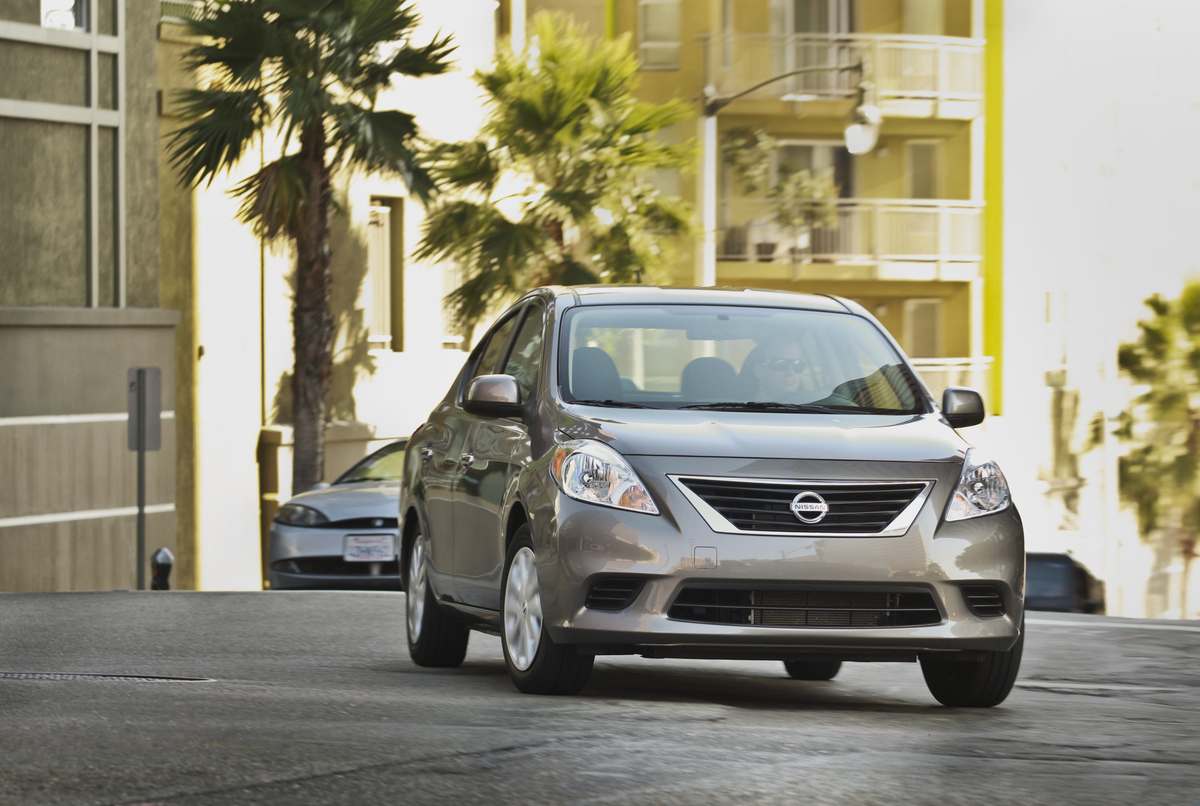 2013 nissan versa safety review and crash test ratings the car 2013 nissan versa safety review and crash test ratings the car connection vanachro Image collections