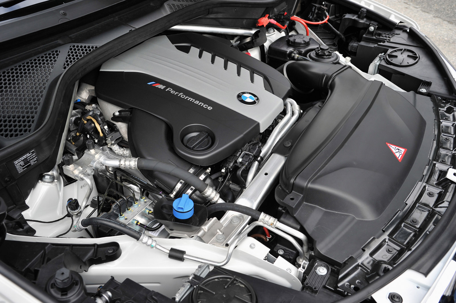 bmw quad turbo diesel debuts   vienna motor symposium