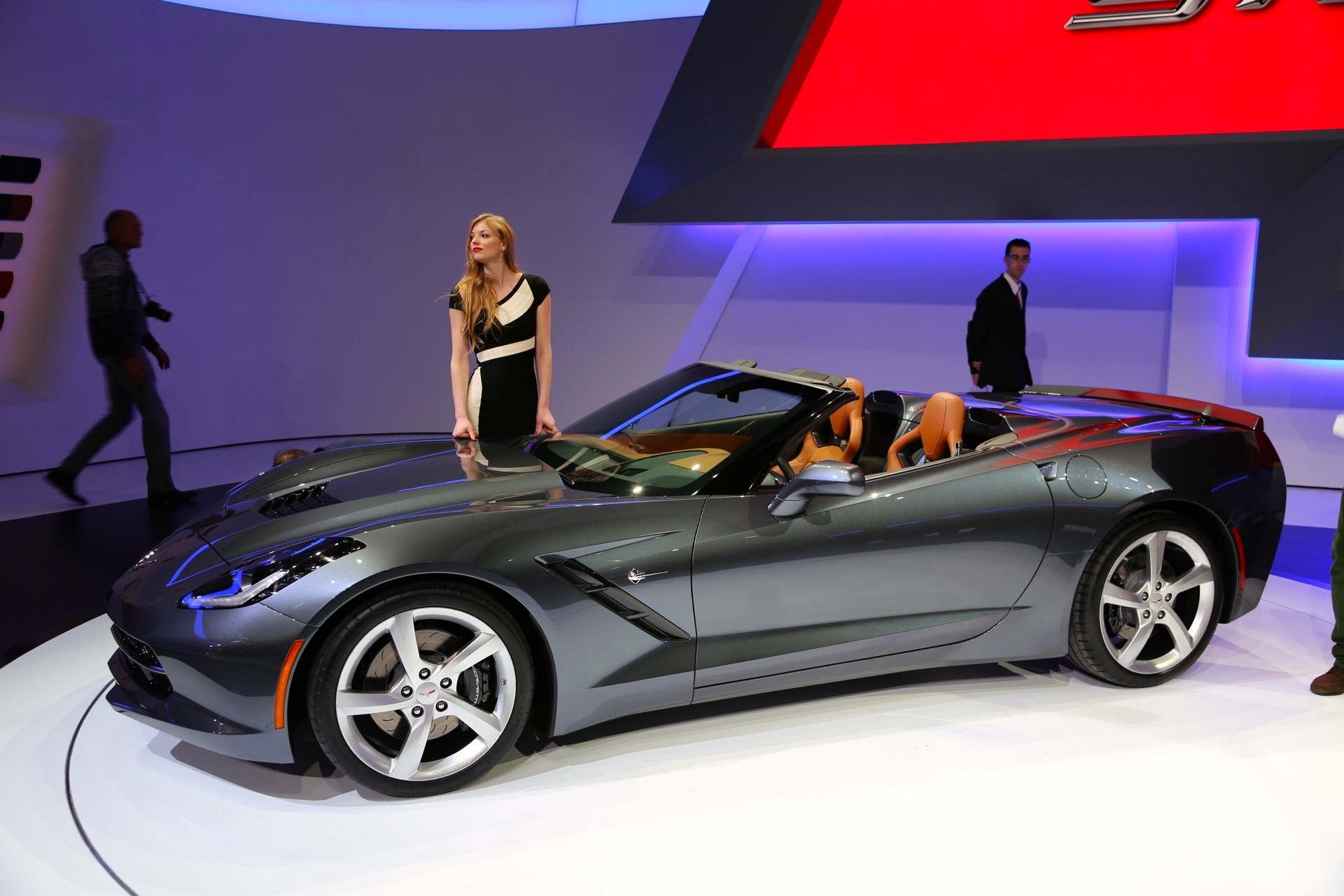 2014 chevrolet corvette stingray convertible live photos. Black Bedroom Furniture Sets. Home Design Ideas