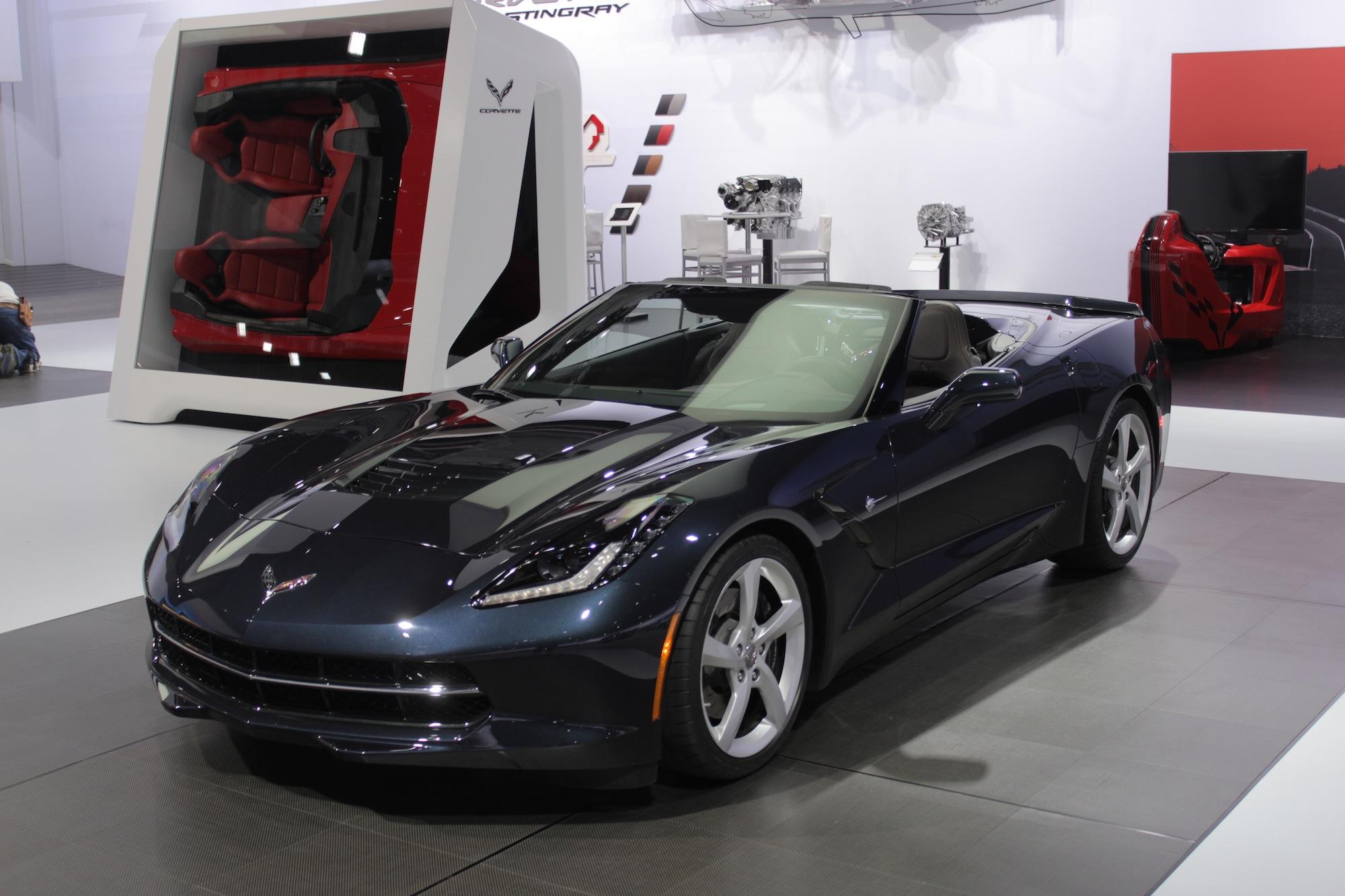 2014 chevrolet corvette stingray convertible video new york auto show - Corvette 2013 Stingray Interior