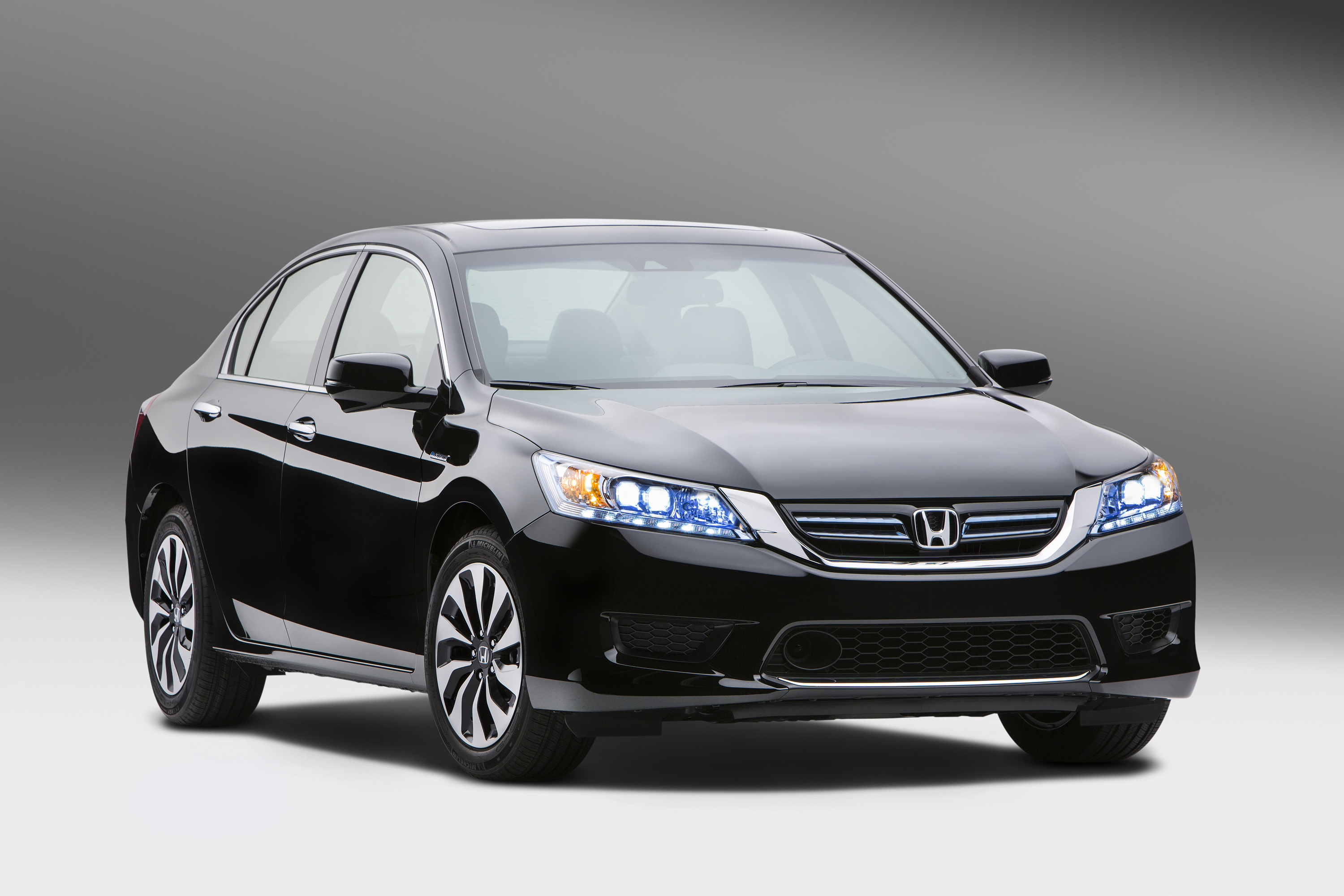 2014 Honda Accord Hybrid Gas Mileage: 47 MPG Combined