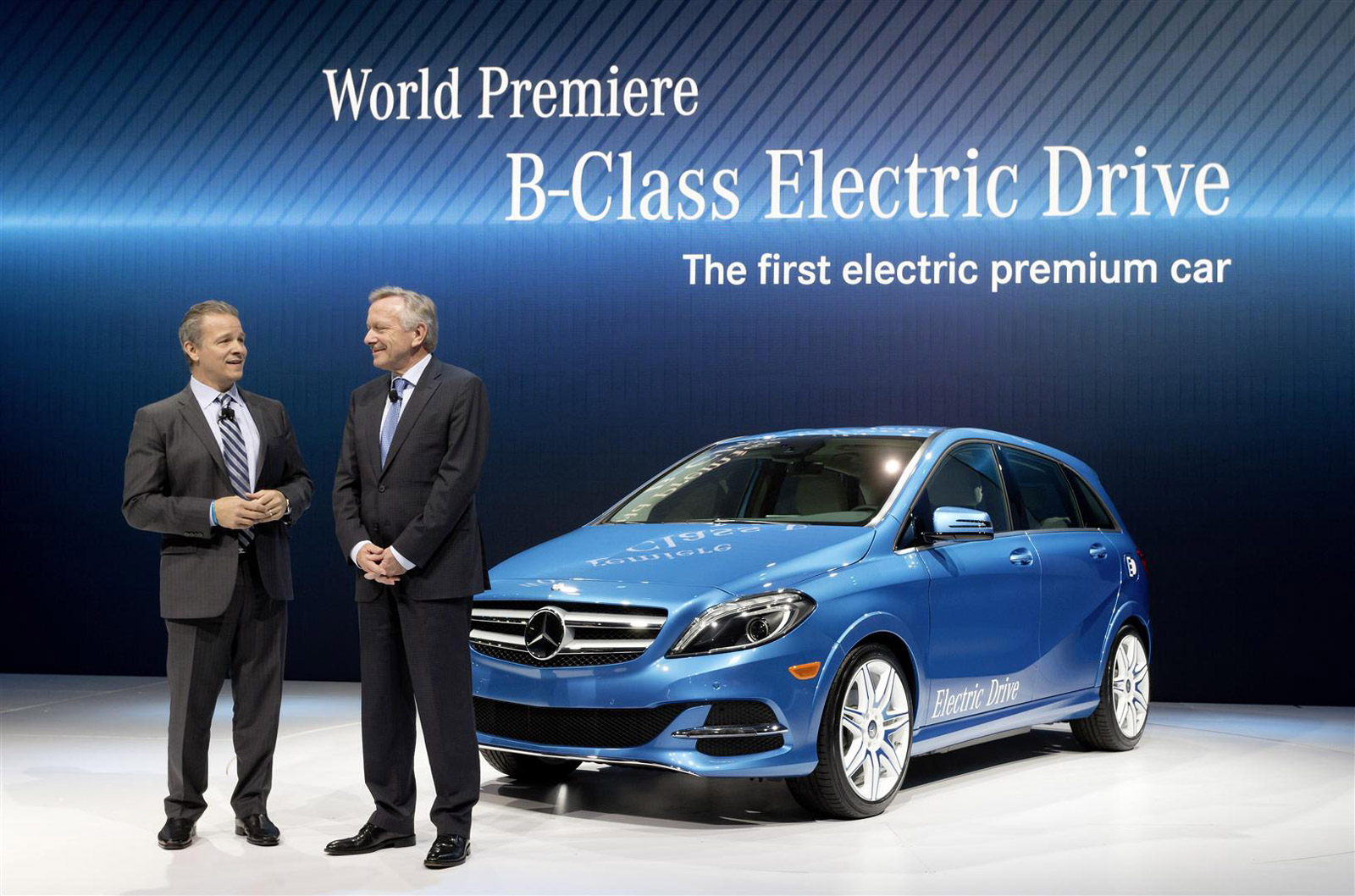 2014 mercedes benz b class electric drive debuts in new york. Black Bedroom Furniture Sets. Home Design Ideas