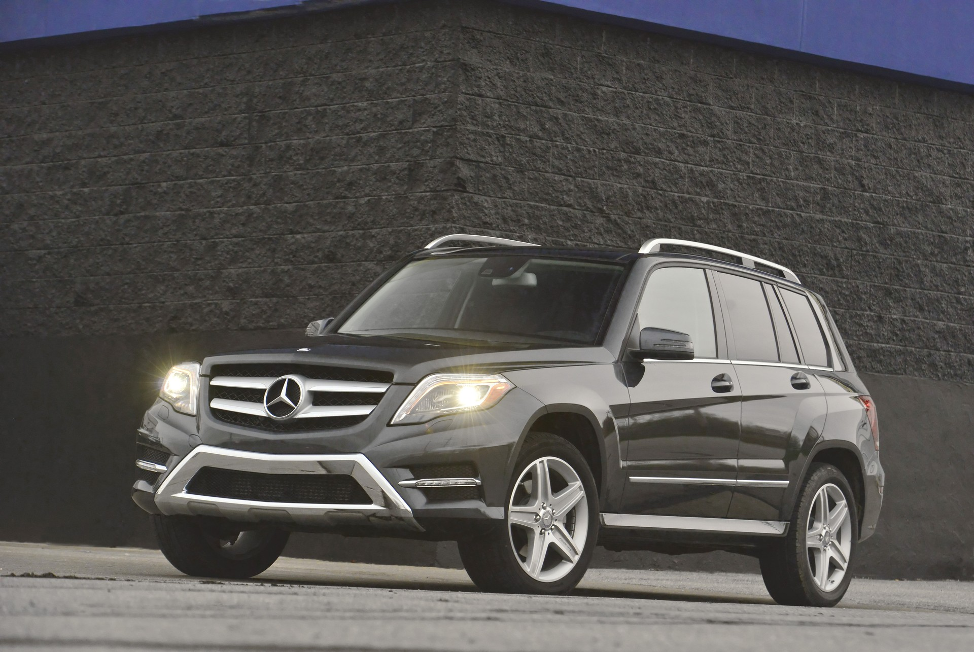 2014 mercedes benz glk class review ratings specs prices and photos the car connection. Black Bedroom Furniture Sets. Home Design Ideas