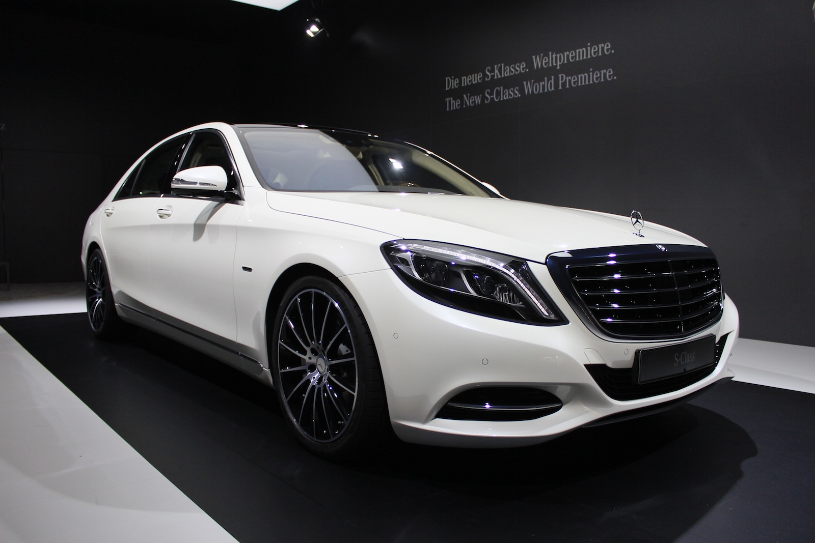 Mercedes benz sells over 100 000 s classes in a single year for Benz hamburg