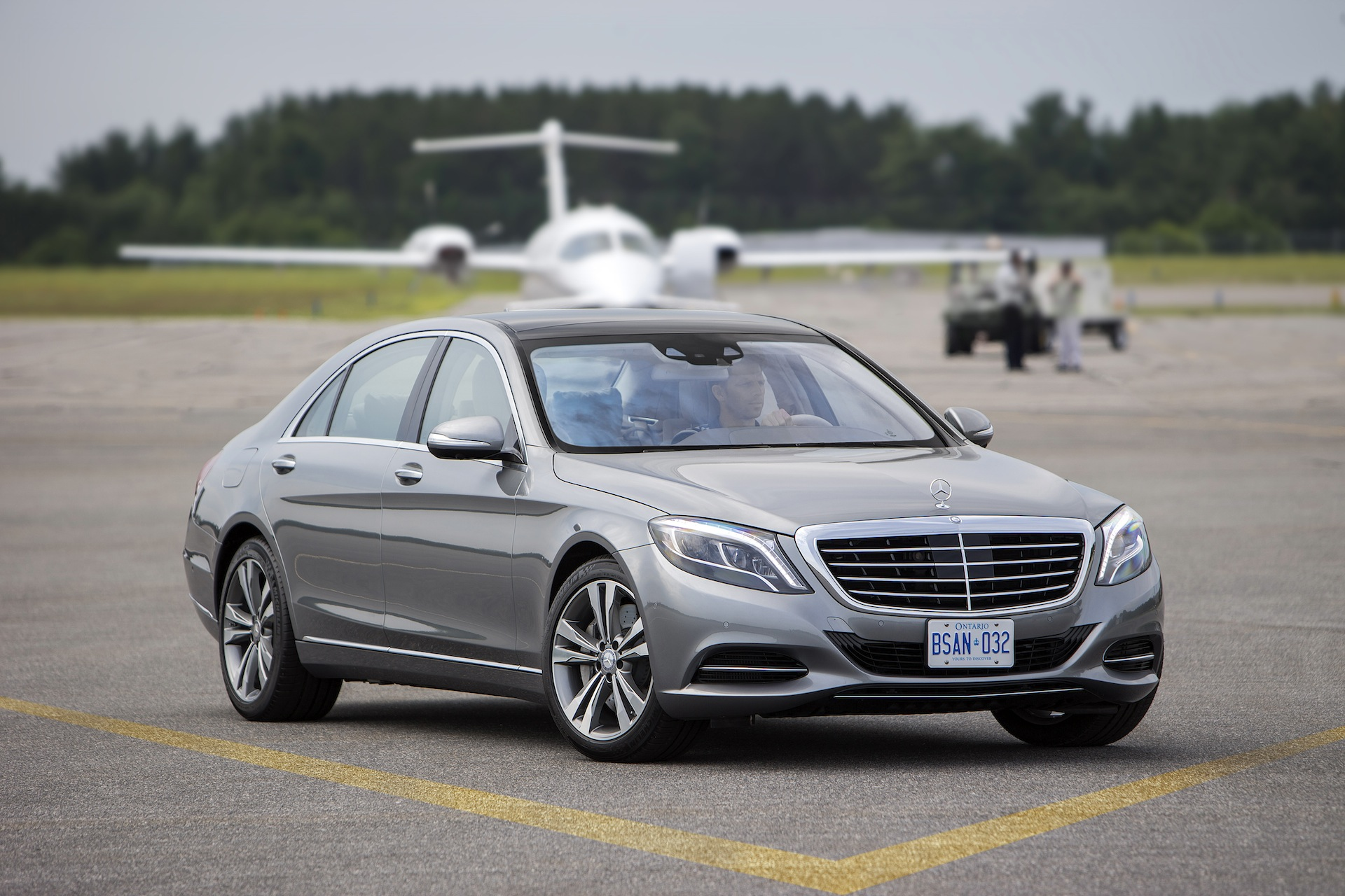 The car connection 39 s best luxury cars to buy 2015 for Where to buy used mercedes benz