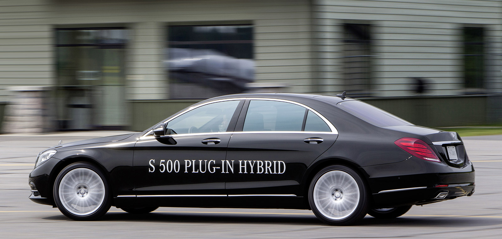 Mercedes Benz S500 Plug In Hybrid 0 60 In 5 5 Seconds And