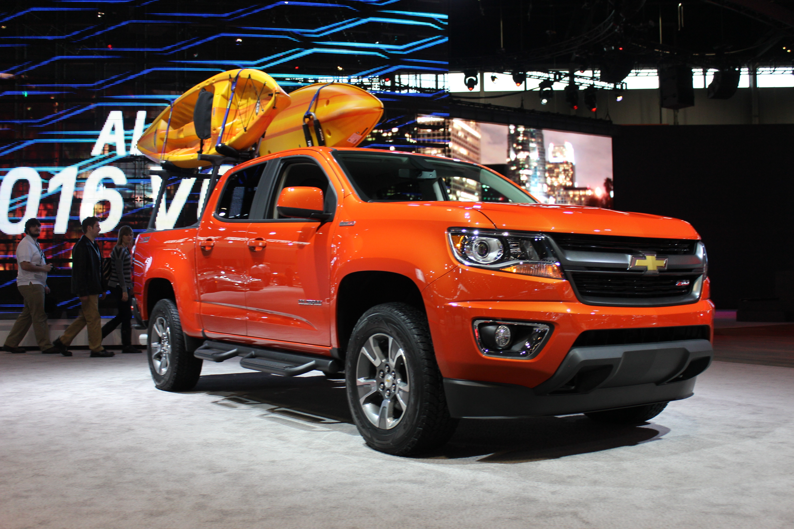 Smaller Chevy Colorado Pickup A Hit: Plant Adds 3rd Shift ...