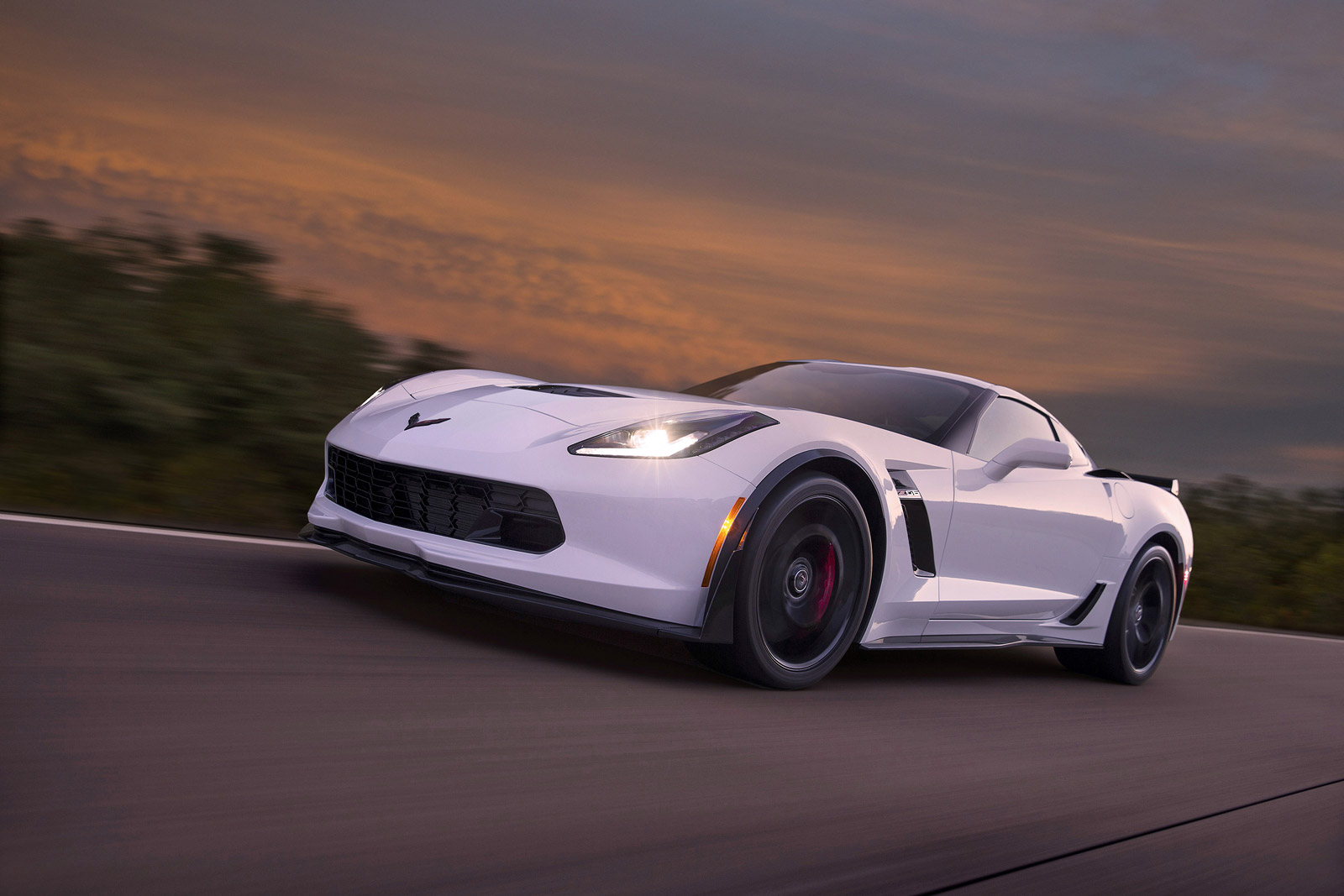White Remains Most Popular Color For New Cars In 2014