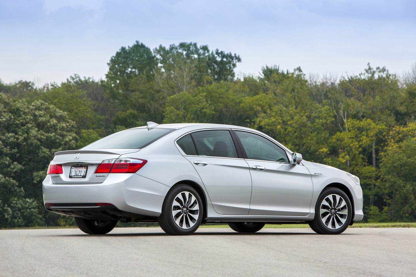 2017 Honda Accord Hybrid Review Ratings Specs Prices And Photos