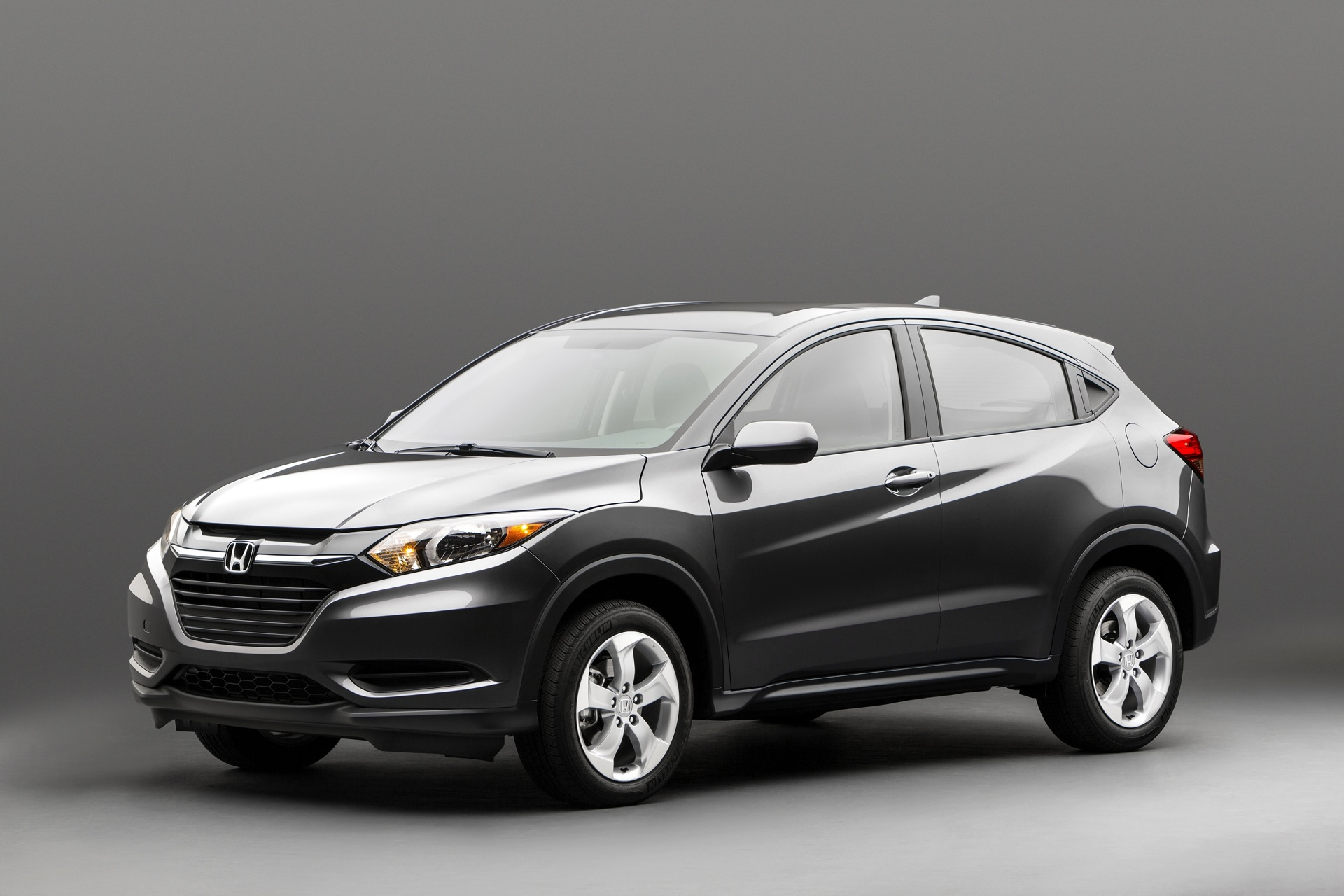 2015 honda hr v first details on new compact crossover. Black Bedroom Furniture Sets. Home Design Ideas