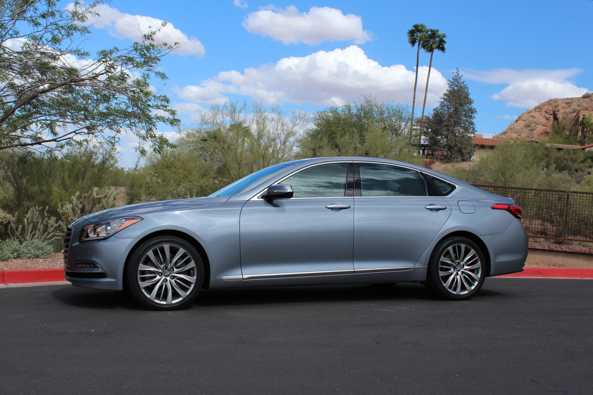 2015 hyundai genesis first drive review. Black Bedroom Furniture Sets. Home Design Ideas