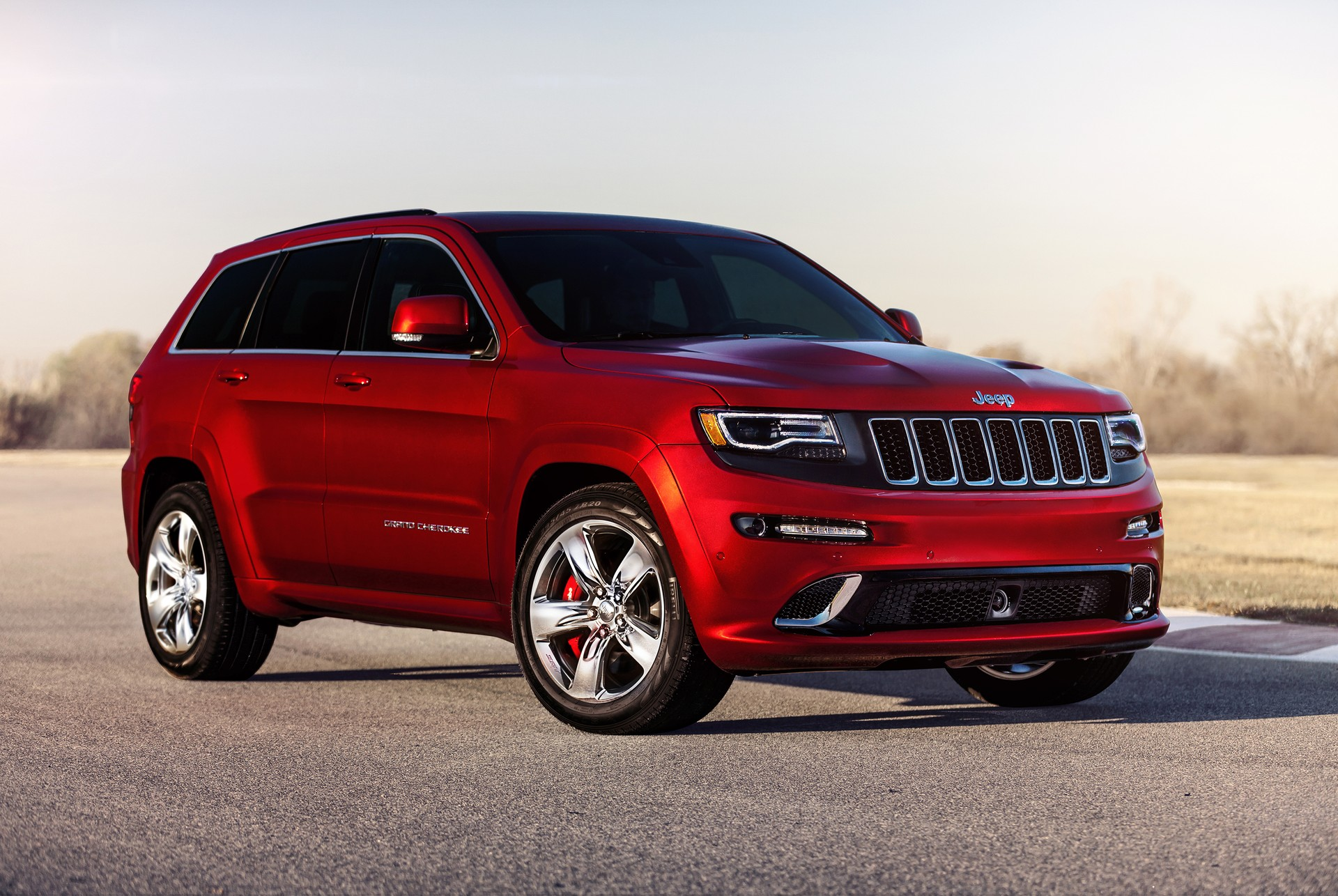 jeep grand cherokee trackhawk coming may offer hellcat engine. Black Bedroom Furniture Sets. Home Design Ideas