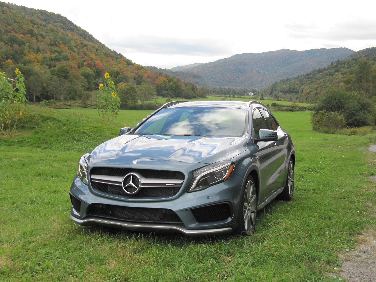 2015 mercedes benz gla45 amg first drive review. Black Bedroom Furniture Sets. Home Design Ideas
