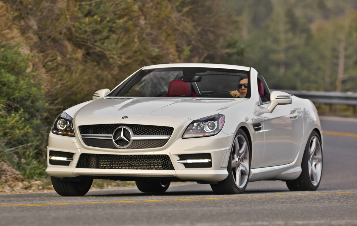 2016 mercedes benz slk gets a few updates ahead of 2017 slc s arrival. Black Bedroom Furniture Sets. Home Design Ideas