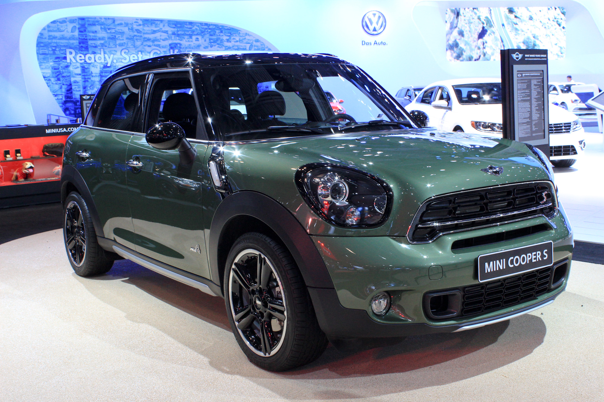 2015 mini countryman gets revised styling new tech 2014. Black Bedroom Furniture Sets. Home Design Ideas