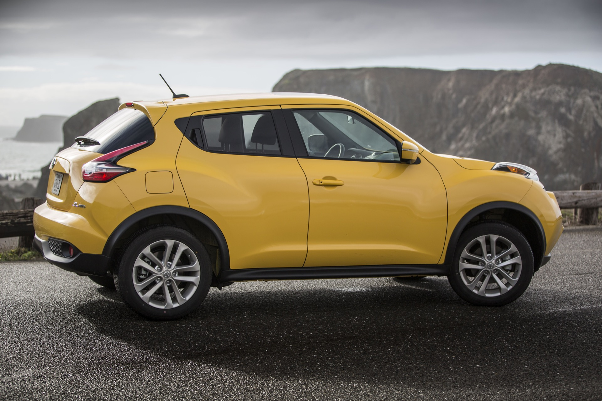 New and used nissan juke prices photos reviews specs for Nissan juke einparkhilfe