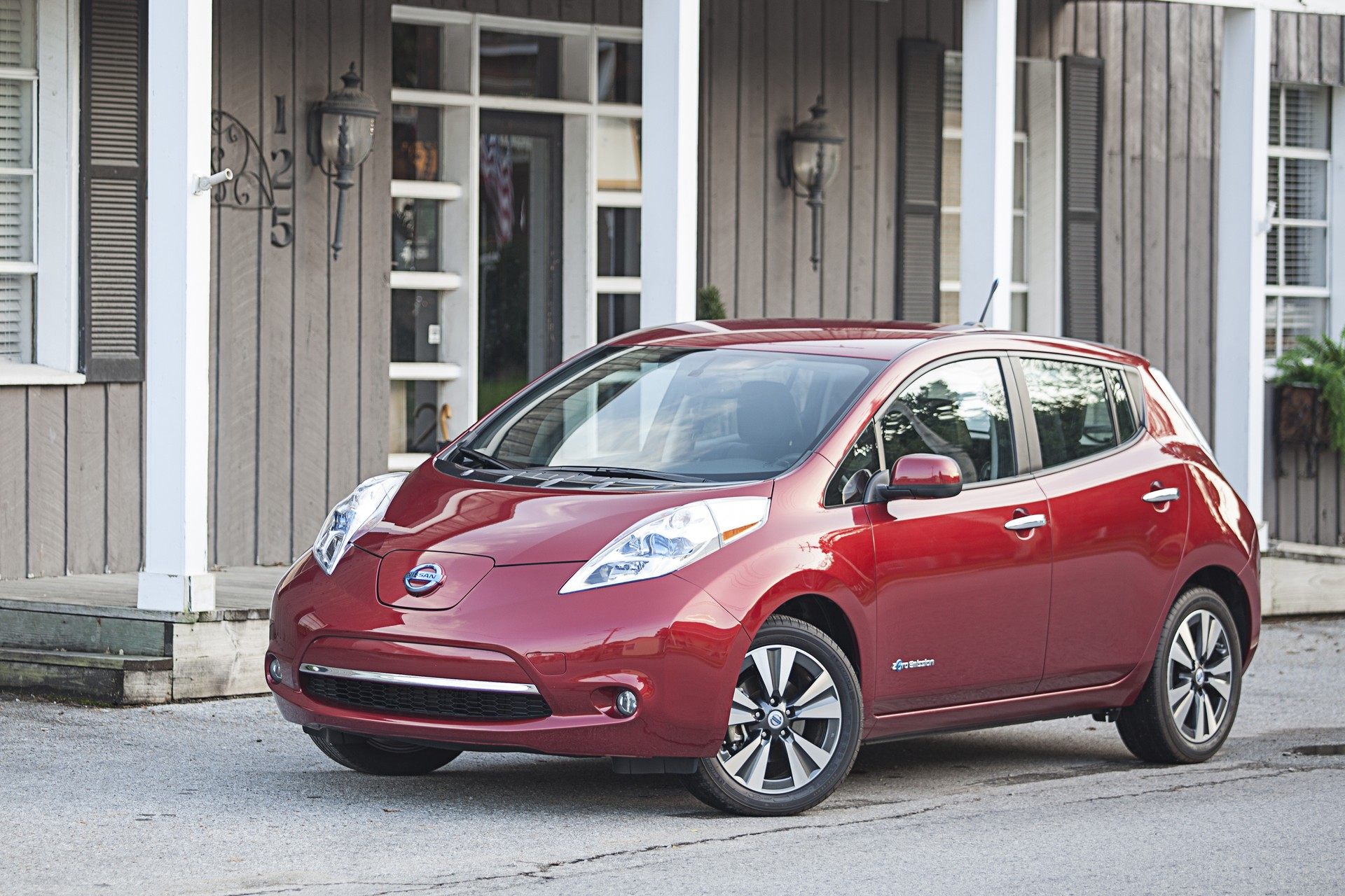 nissan leaf recall brake software update for cold weather use. Black Bedroom Furniture Sets. Home Design Ideas