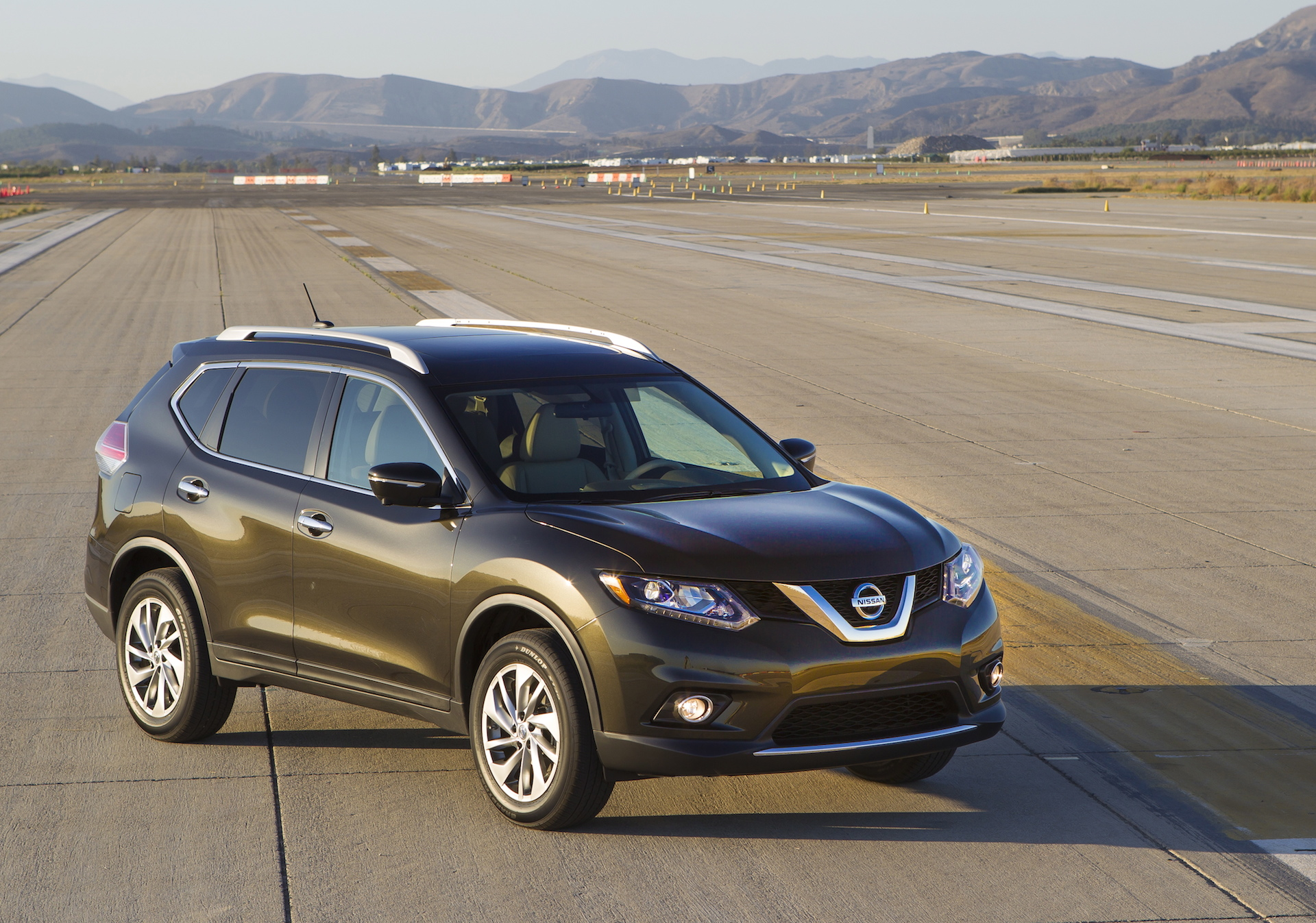 2016 nissan rogue hybrid also more efficient gas model to join lineup. Black Bedroom Furniture Sets. Home Design Ideas