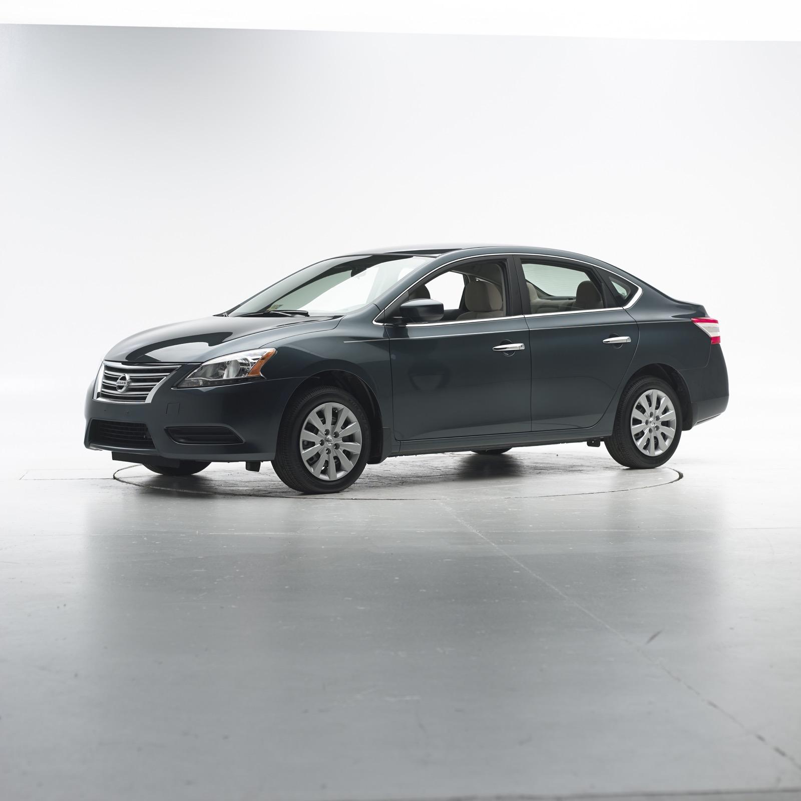 2014-2017 Nissan Leaf, Sentra Recalled Over Airbag Problems