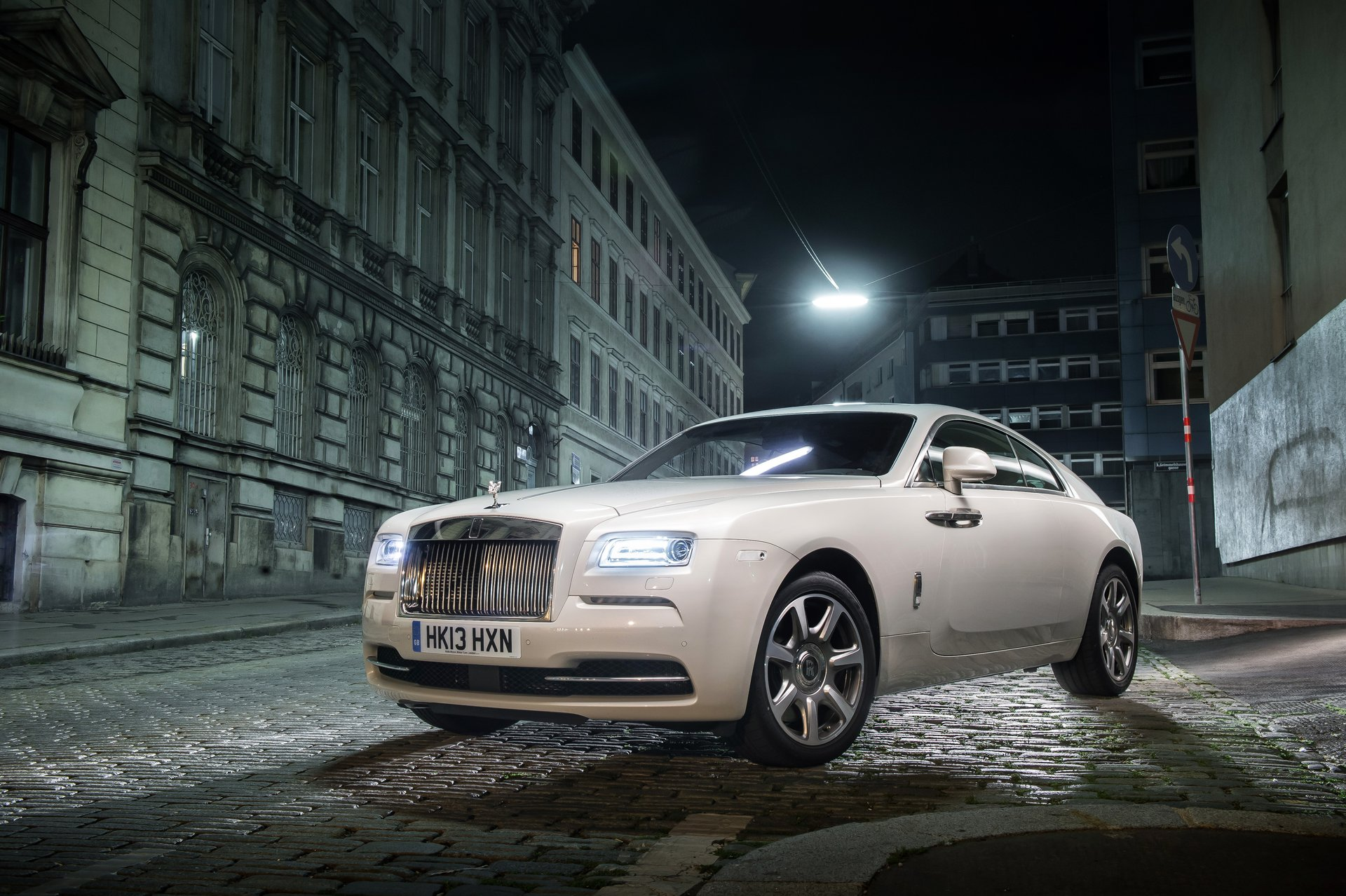 Gmc Colorado Springs >> 2015 Rolls-Royce Wraith Review, Ratings, Specs, Prices, and Photos - The Car Connection