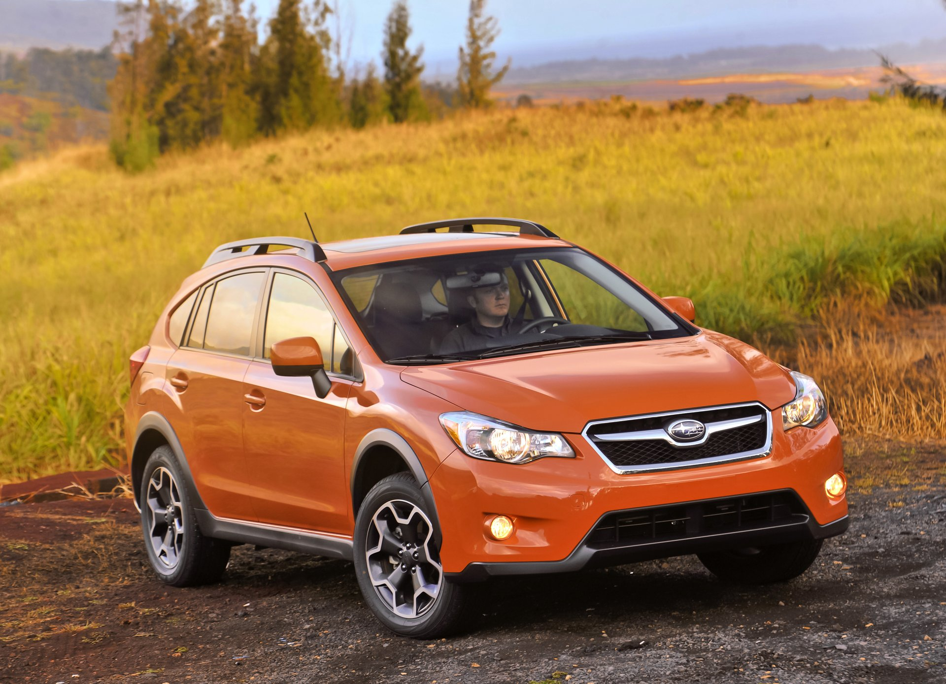 2015 subaru xv crosstrek performance review the car connection. Black Bedroom Furniture Sets. Home Design Ideas