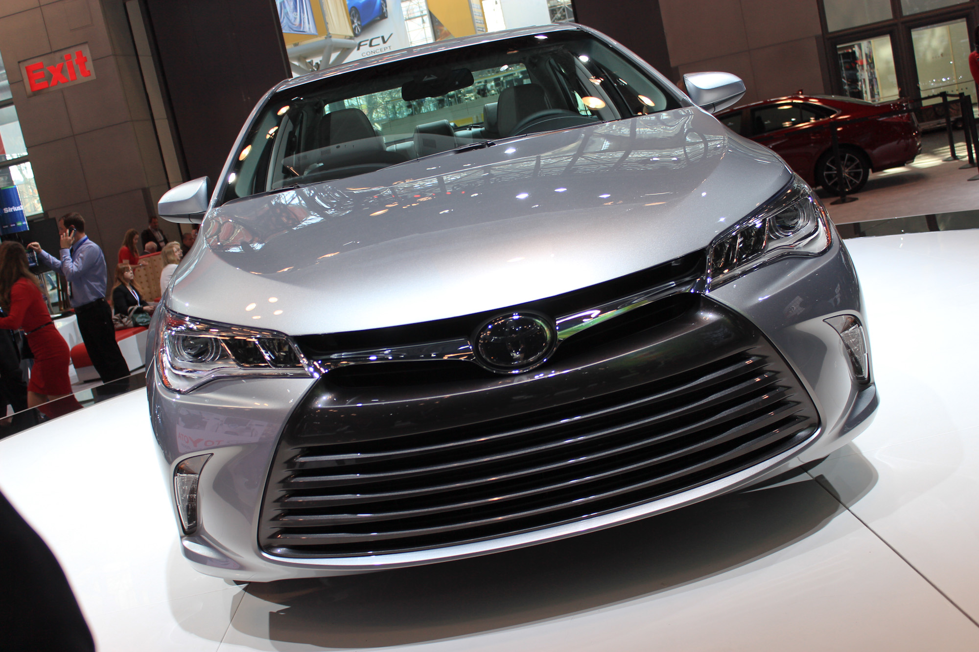 2015 Toyota Camry Ford Ceo Shuffle Taxi Driver Dodges Tolls What S New The Car Connection