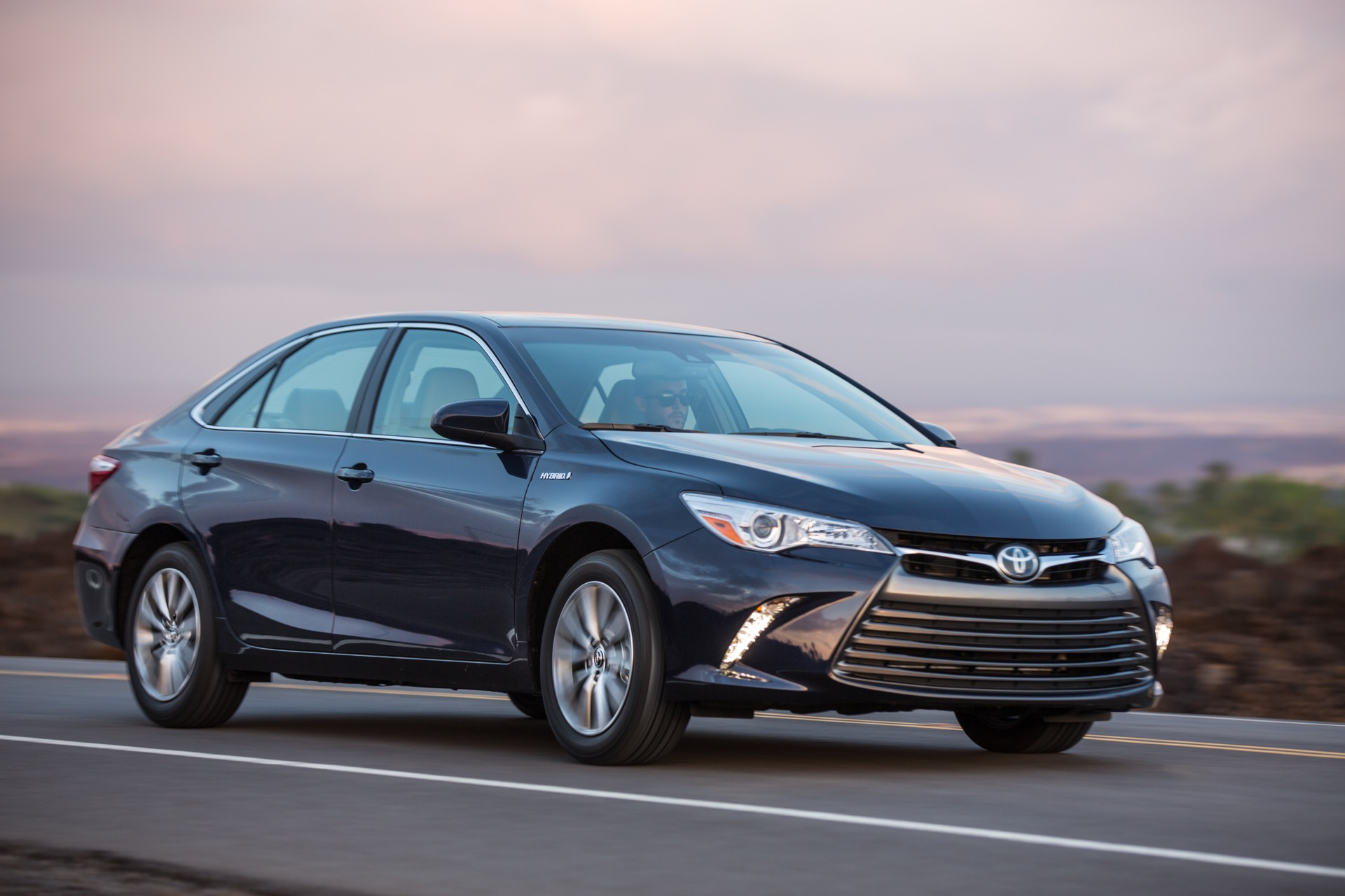 2016 toyota camry review ratings specs prices and photos the car connection. Black Bedroom Furniture Sets. Home Design Ideas