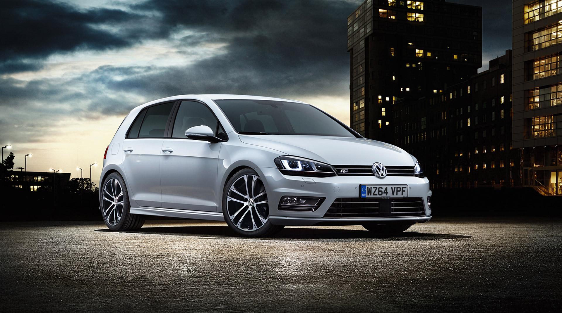Volkswagen Golf Gets Sporty R-Line Trim