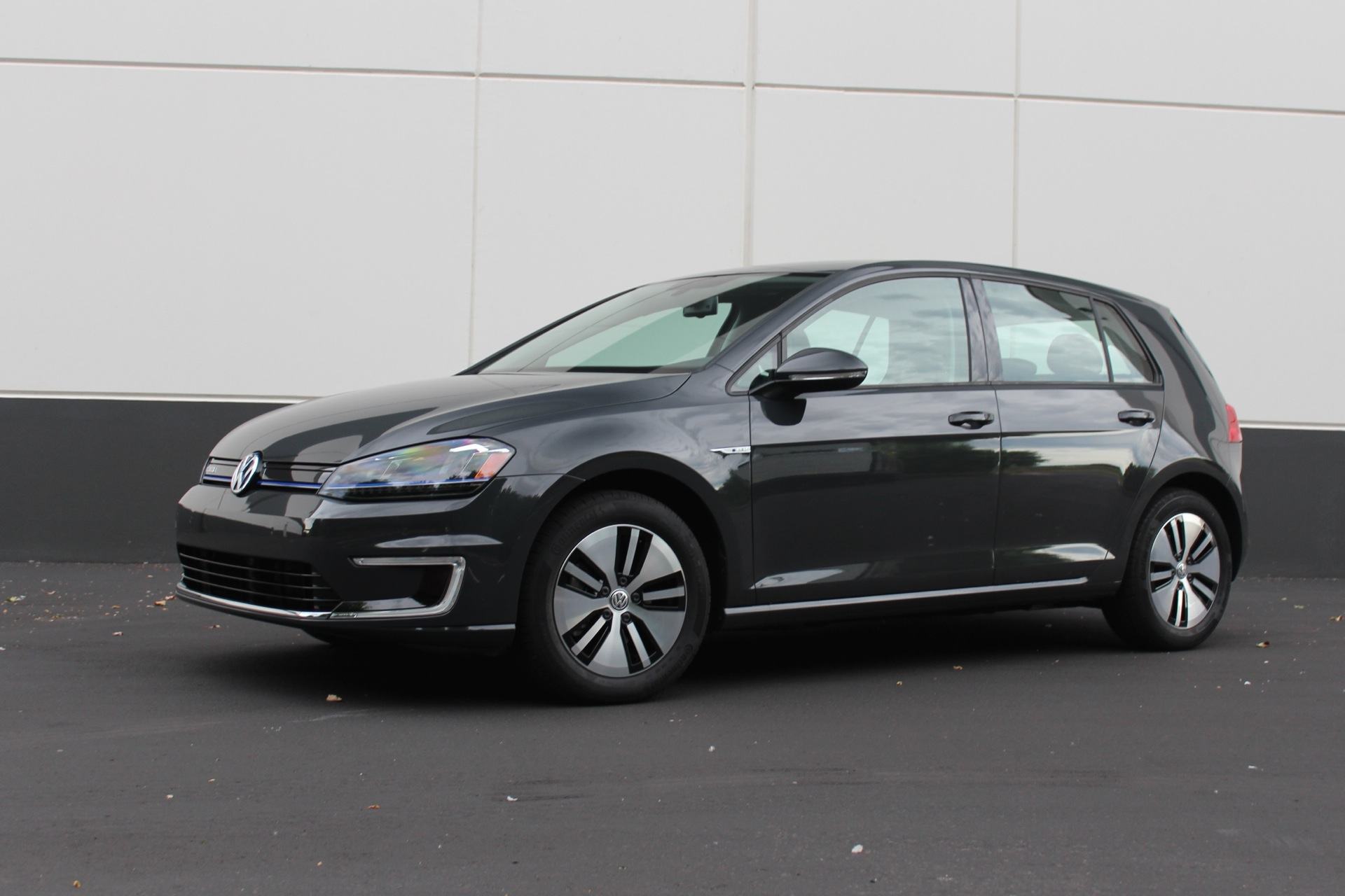 2015 volkswagen e golf what we like don t like after first drive. Black Bedroom Furniture Sets. Home Design Ideas