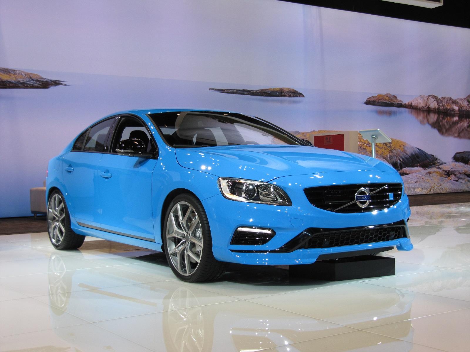 Volvo V60 Spy Shots >> 2015 Volvo S60 And V60 Polestar Debut At 2014 Chicago Auto Show: Live Photos