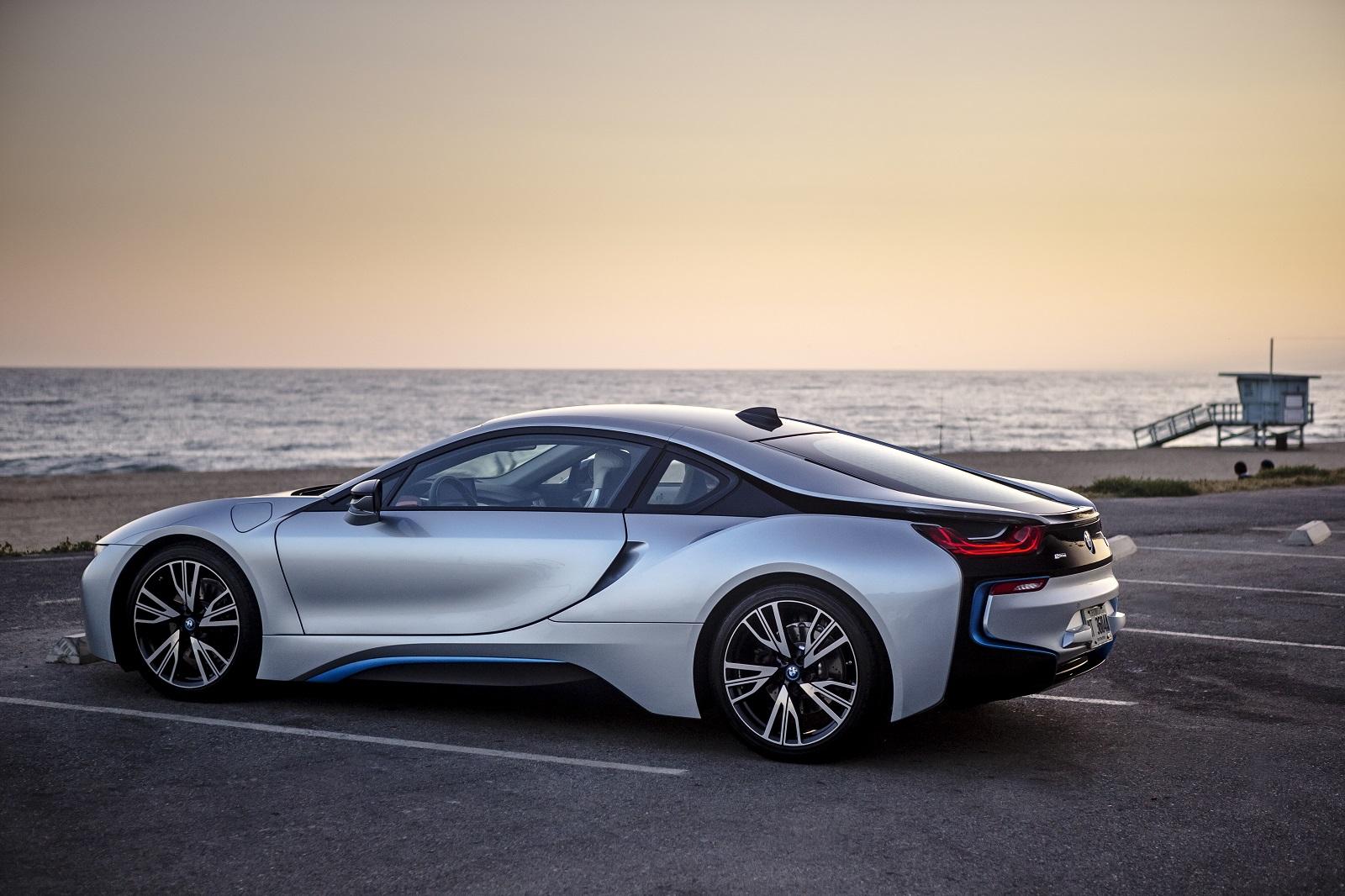 BMW Holds On To U.S. Luxury Car Sales Crown In 2015, Lexus