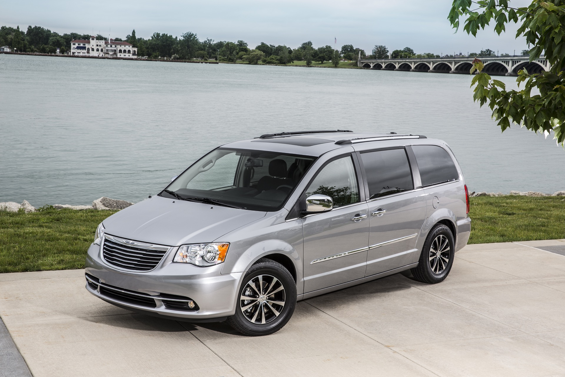 2016 chrysler town country review ratings specs prices and photos the car connection. Black Bedroom Furniture Sets. Home Design Ideas